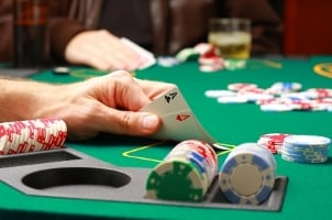 Tips on Buying a Poker Table