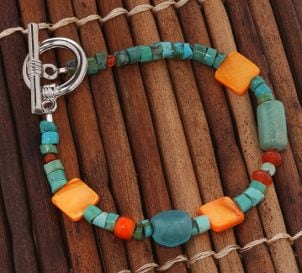 How to Wear Turquoise Jewelry