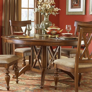 Set a round dining table