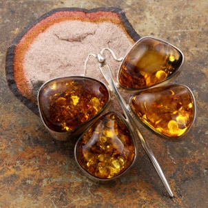 Beautiful amber butterfly pendant necklace