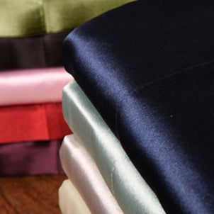 Satin sheets come in a variety of colors