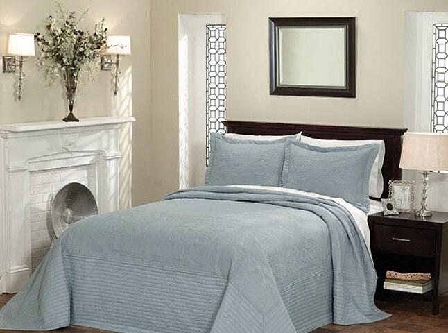 best king bedspreads for summer overstock. Black Bedroom Furniture Sets. Home Design Ideas