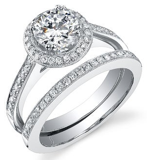 A modern diamond bridal set
