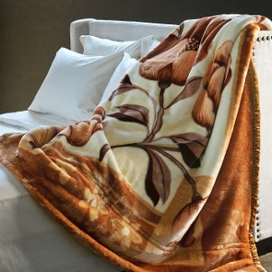 How to Increase Comfort with Clearance Blankets | Overstock.