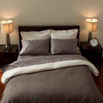 How to Deal with a Small Bedroom Space