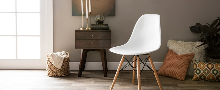 Mid-Century Modern Living Room Eames-Style Chair
