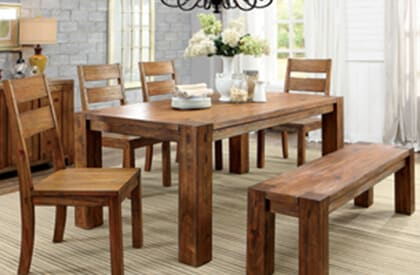 Wodden Dining Room Table and Chairs