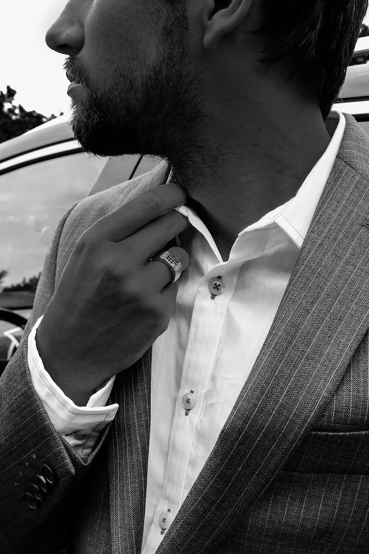 Tips on Buying a Men's Slim Fit Suit
