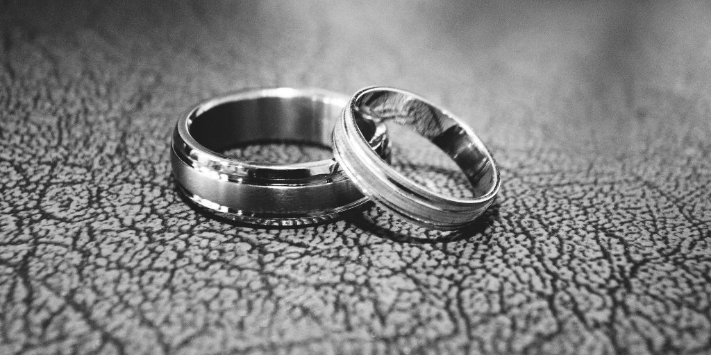Titanium vs. Stainless Steel Rings: Which is Better? | Overstock.com