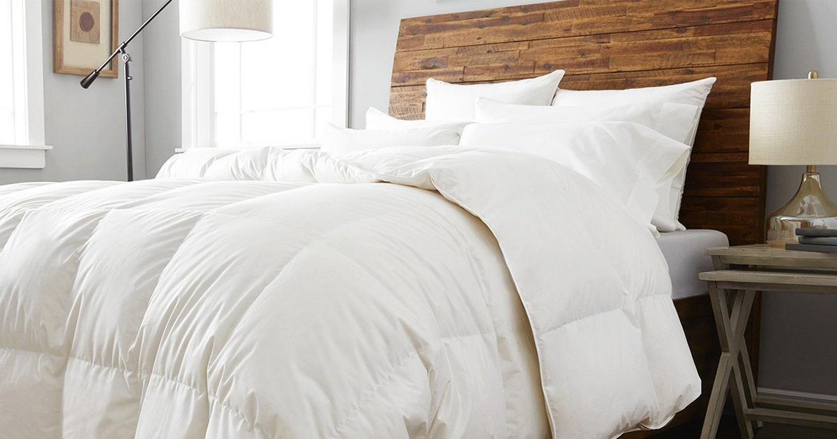 How To Wash A Down Comforter The Right Way Overstock Com