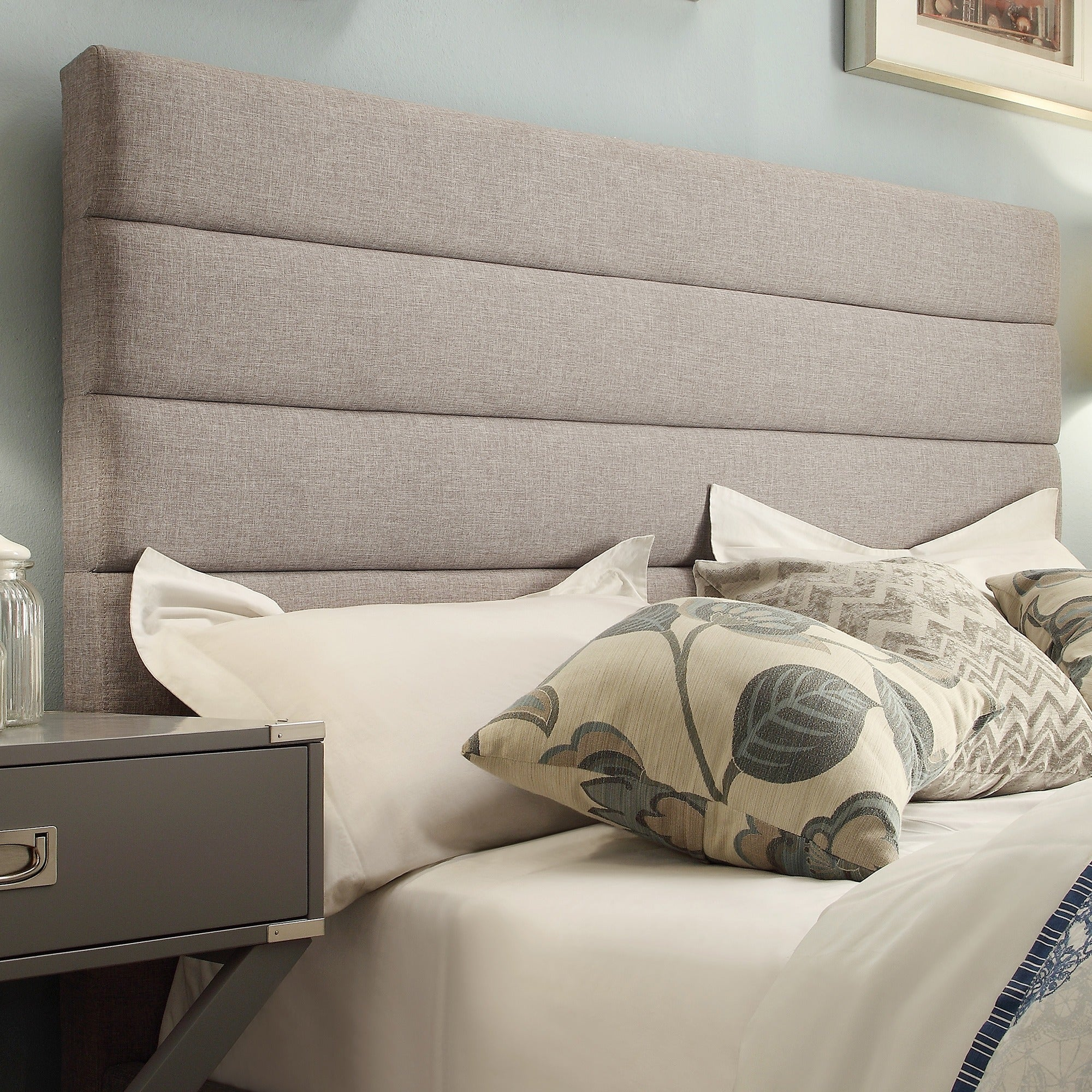 Corbett Horizontal Tufted Gray Linen Upholstered Queen-size Headboard by  iNSPIRE Q Classic - Free Shipping Today - Overstock.com - 17150410