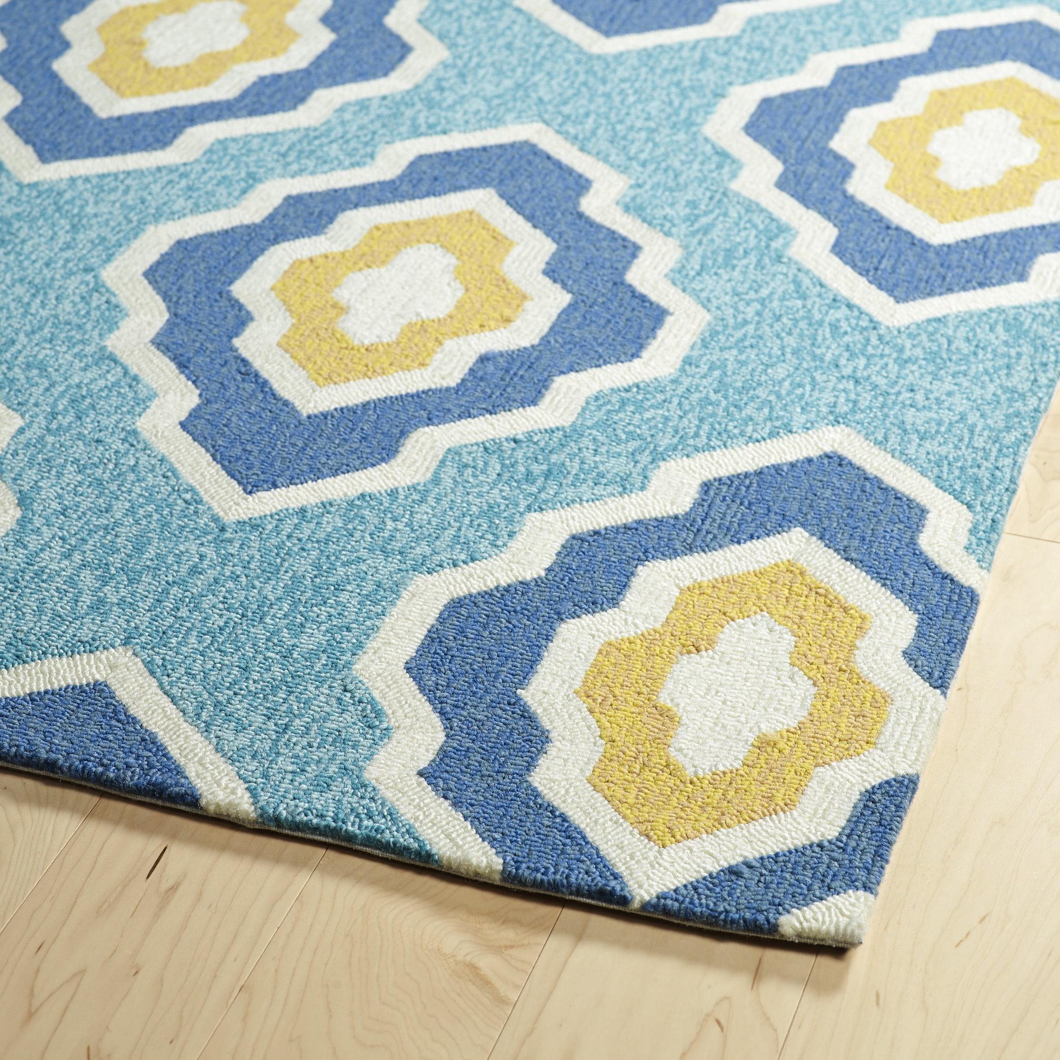 Handmade Indoor/ Outdoor Getaway Blue Geo Rug - 2\' x 6\' - Free ...