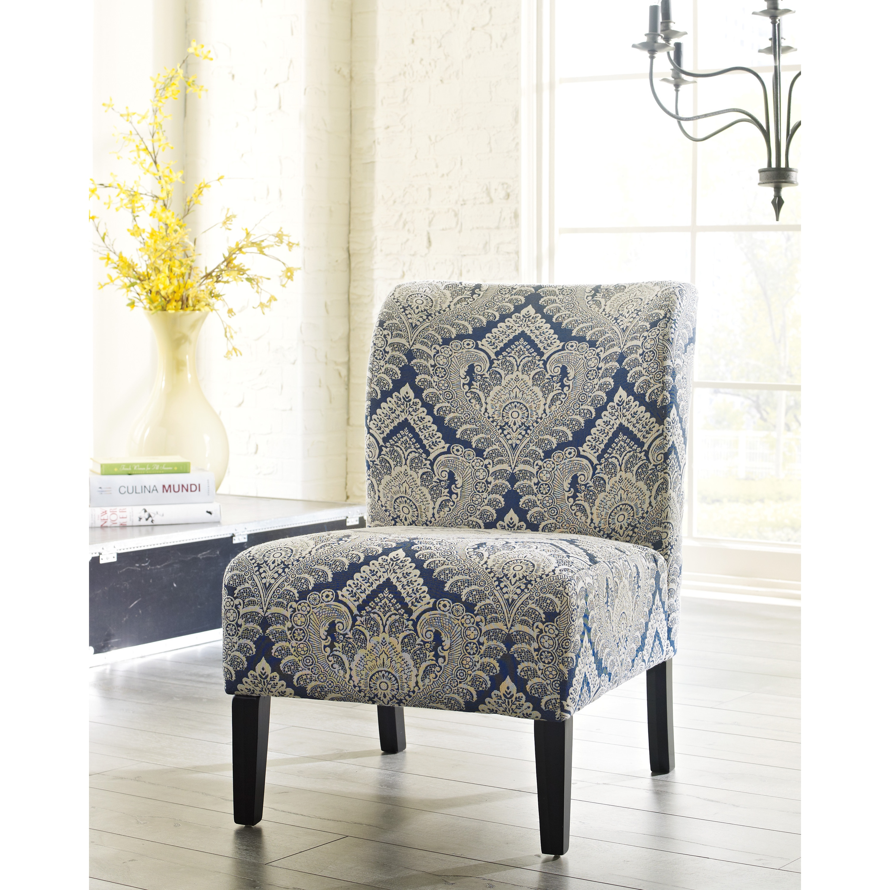 Great Ashley Accent Chairs Decoration