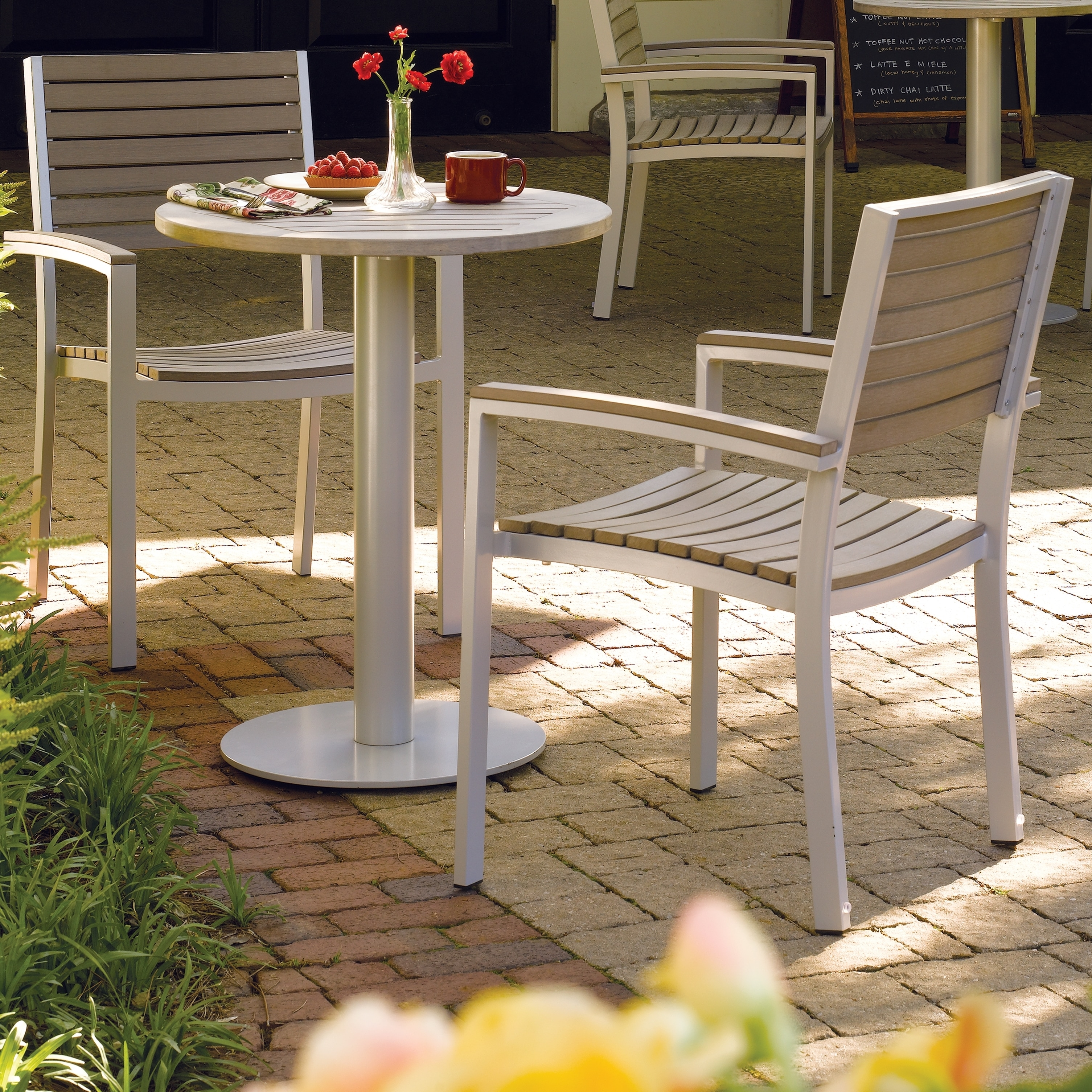 Shop Oxford Garden Travira 5 Piece 24 Inch Bistro Table Set   Free Shipping  Today   Overstock.com   10174961