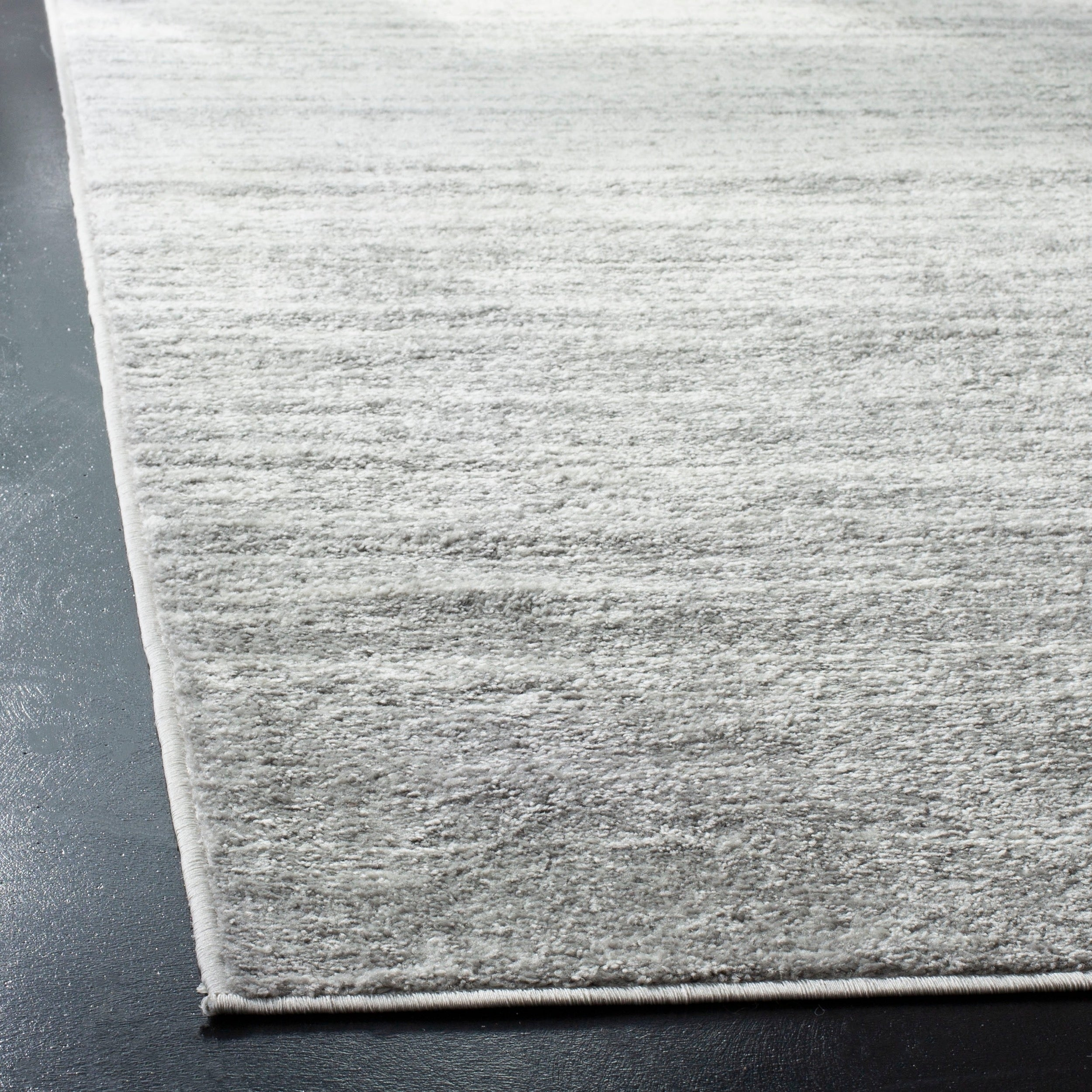 c70049a4e4c0 Shop Safavieh Adirondack Vera Ombre Ivory   Silver Rug - 6  x 9  - On Sale  - Free Shipping Today - Overstock - 10214776