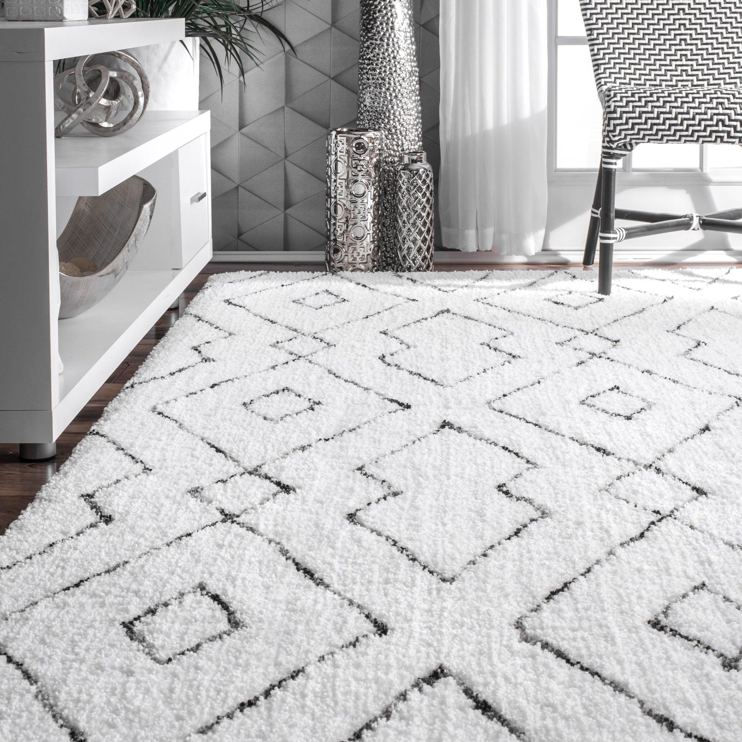 nuloom handmade plush white grey diamond lattice shag rug 76 x 96 free shipping today overstockcom 17681837 - Black And White Rug
