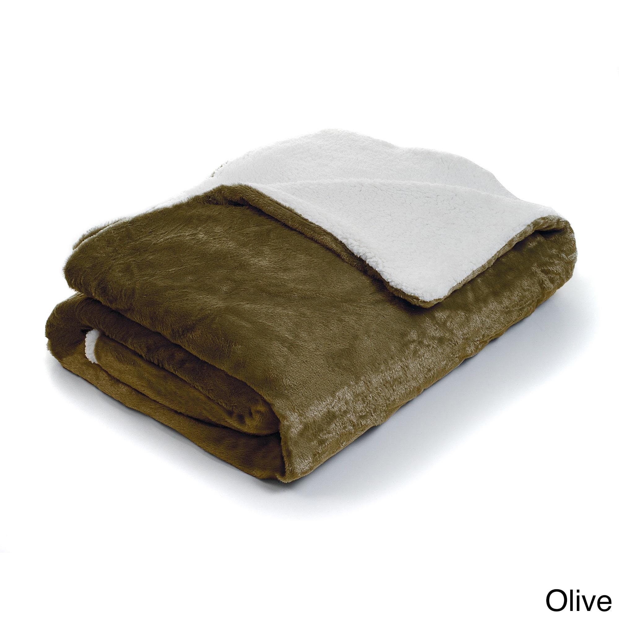 Shop Fleece Blanket with Sherpa Backing (Twin) - On Sale - Free ...