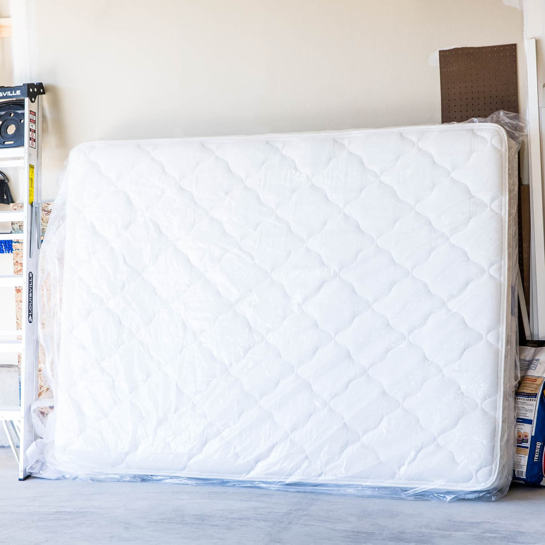 LINENSPA Moving and Storage Mattress Bag Set of 2 Free