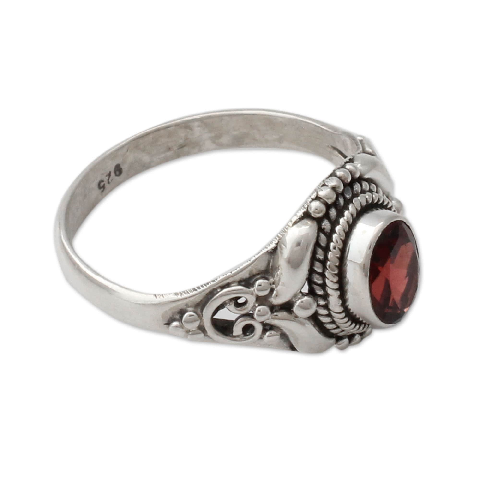 thoscene ring statement diamond garnet