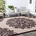 Safavieh Courtyard Floral Medallion Beige/ Black Indoor/ Outdoor Rug (8' x 11')