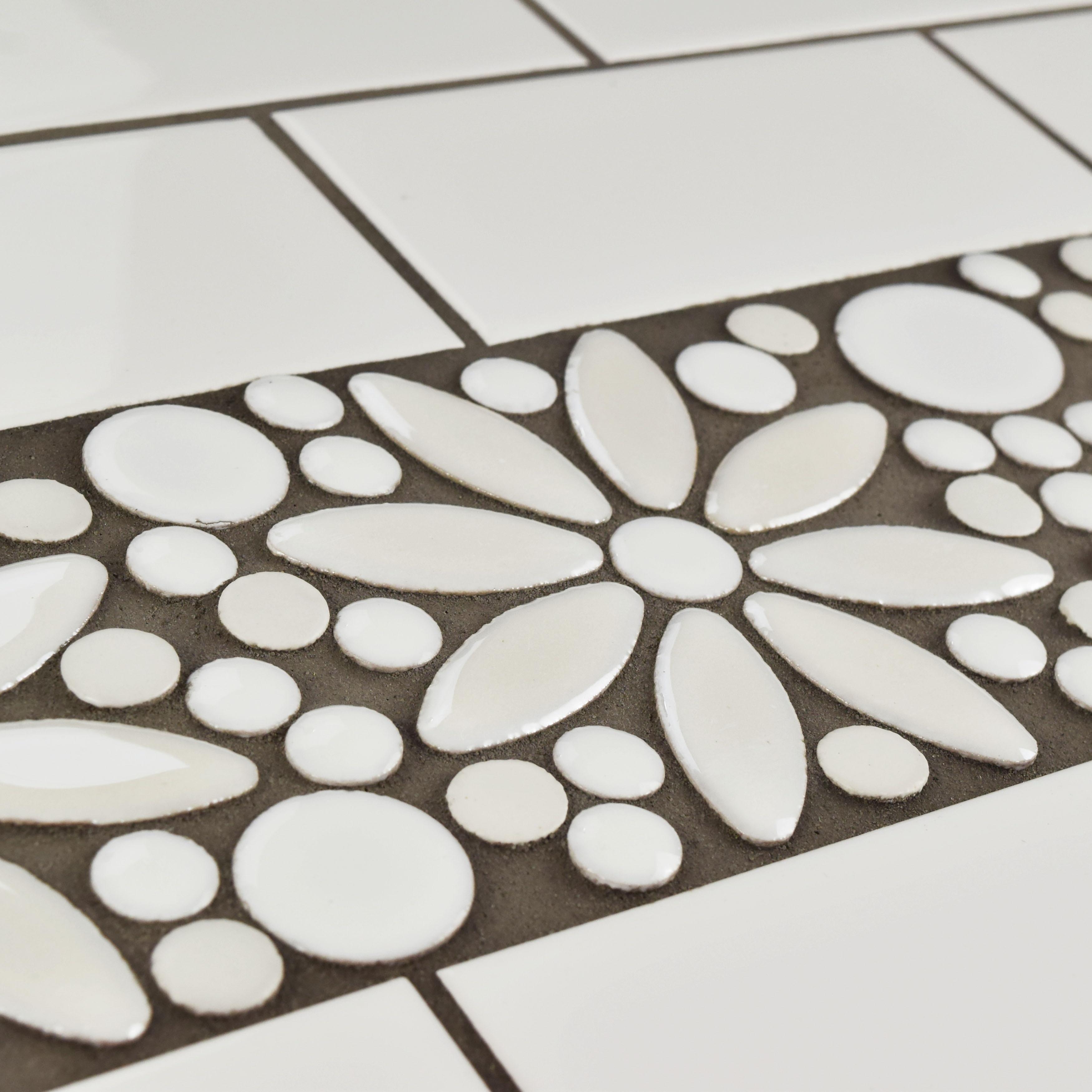 Shop Somertile 425x1275 Inch Andromeda Penny Flower White