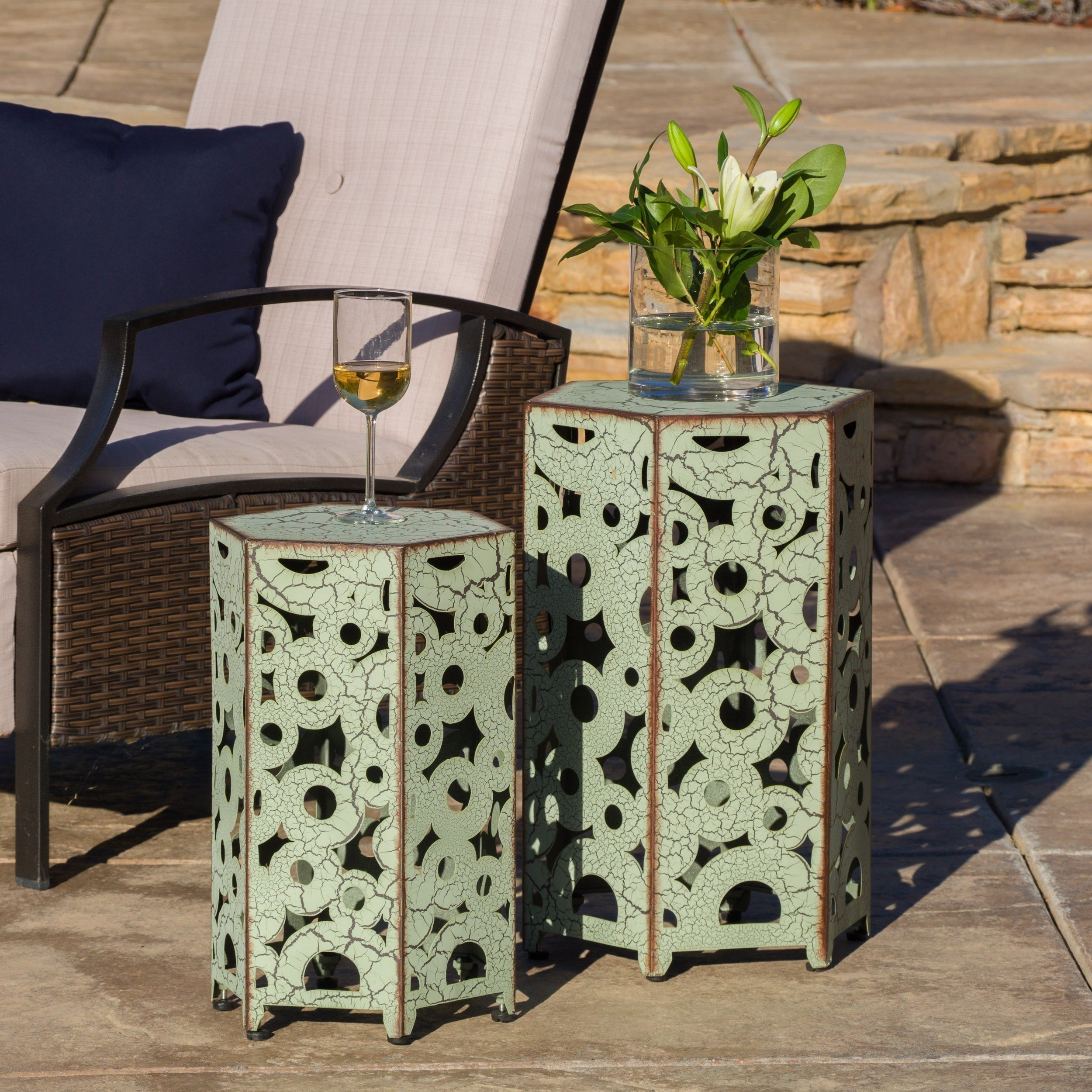 Shop Parrish Outdoor Antique Side Table By Christopher Knight Home (Set Of  2)   On Sale   Free Shipping Today   Overstock.com   11207273