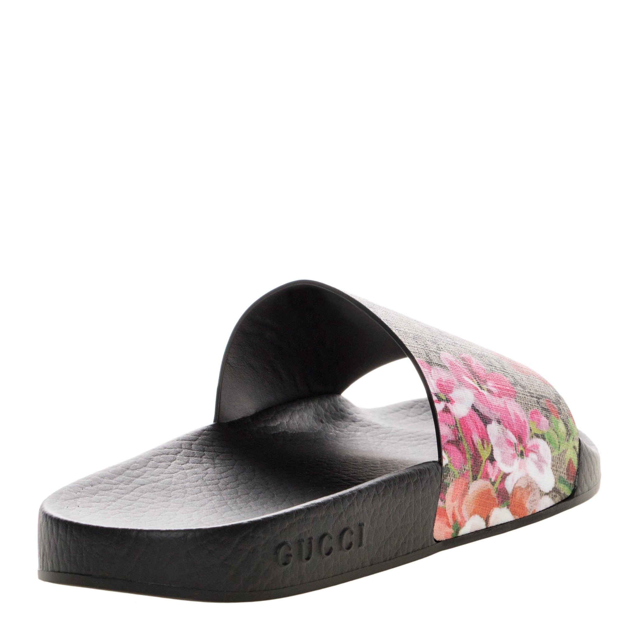 f0d2c7e4125 Shop Gucci Women s GG Blooms Supreme Rubber Sole Slide Sandals - Free  Shipping Today - Overstock - 11614566