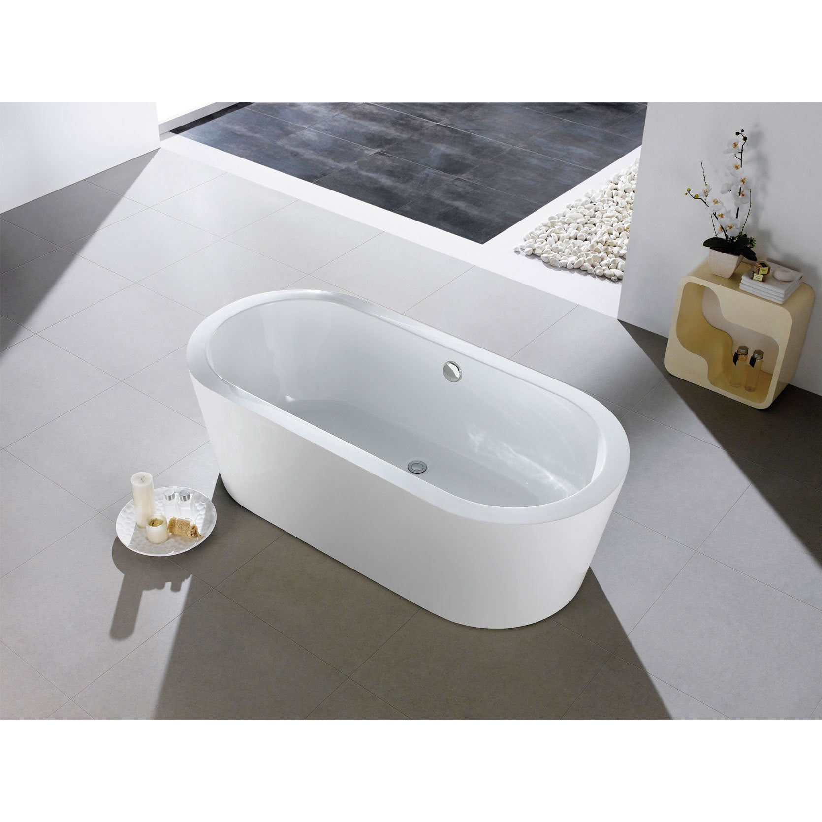 Captivating Mandalay 58 Inch X 29 Inch White Oval Soaking Bathtub   Free Shipping Today    Overstock   18569770