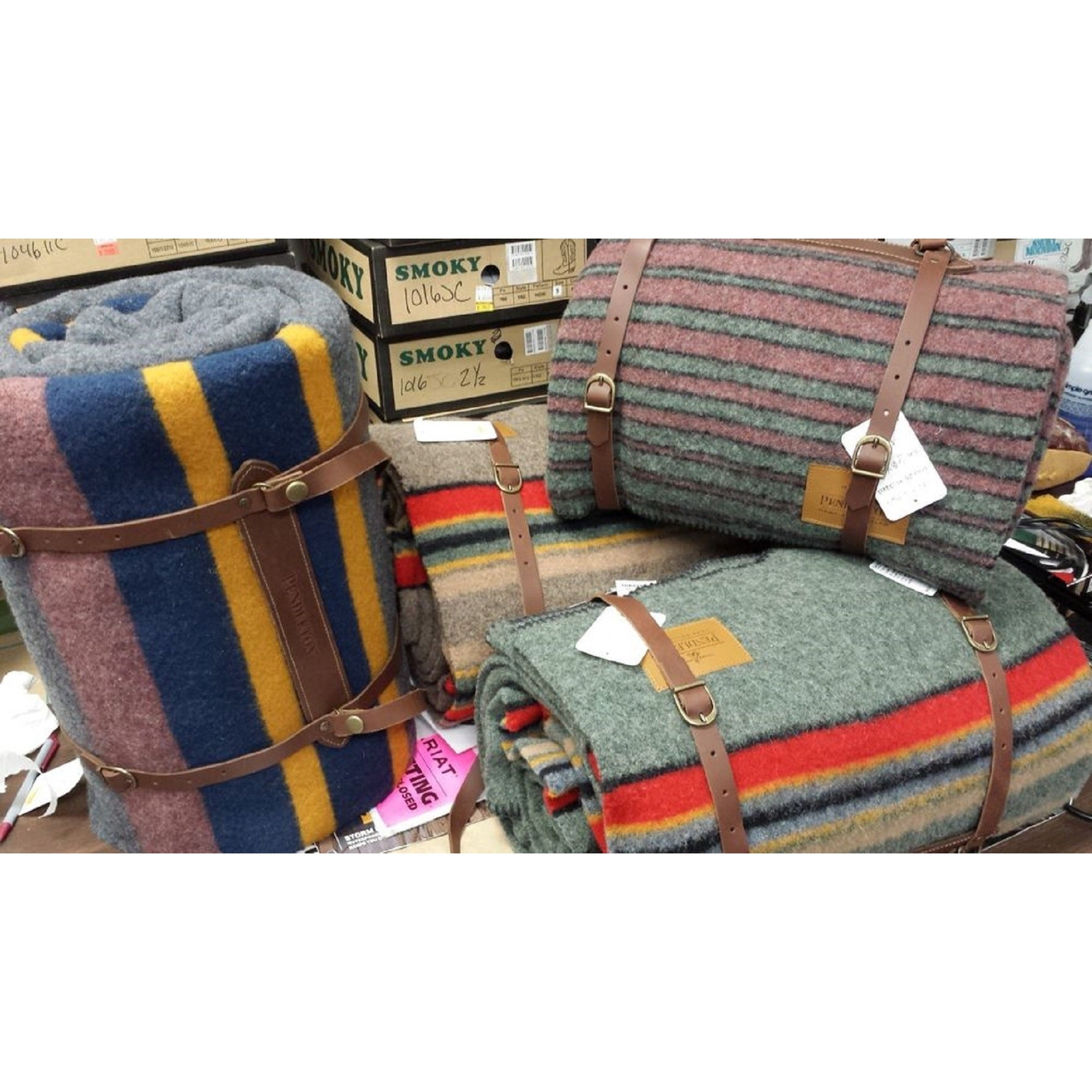 Charmant Shop Pendleton Yakima Camp Lake Wool Twin Blanket With Leather Carrier    Free Shipping Today   Overstock.com   11869491