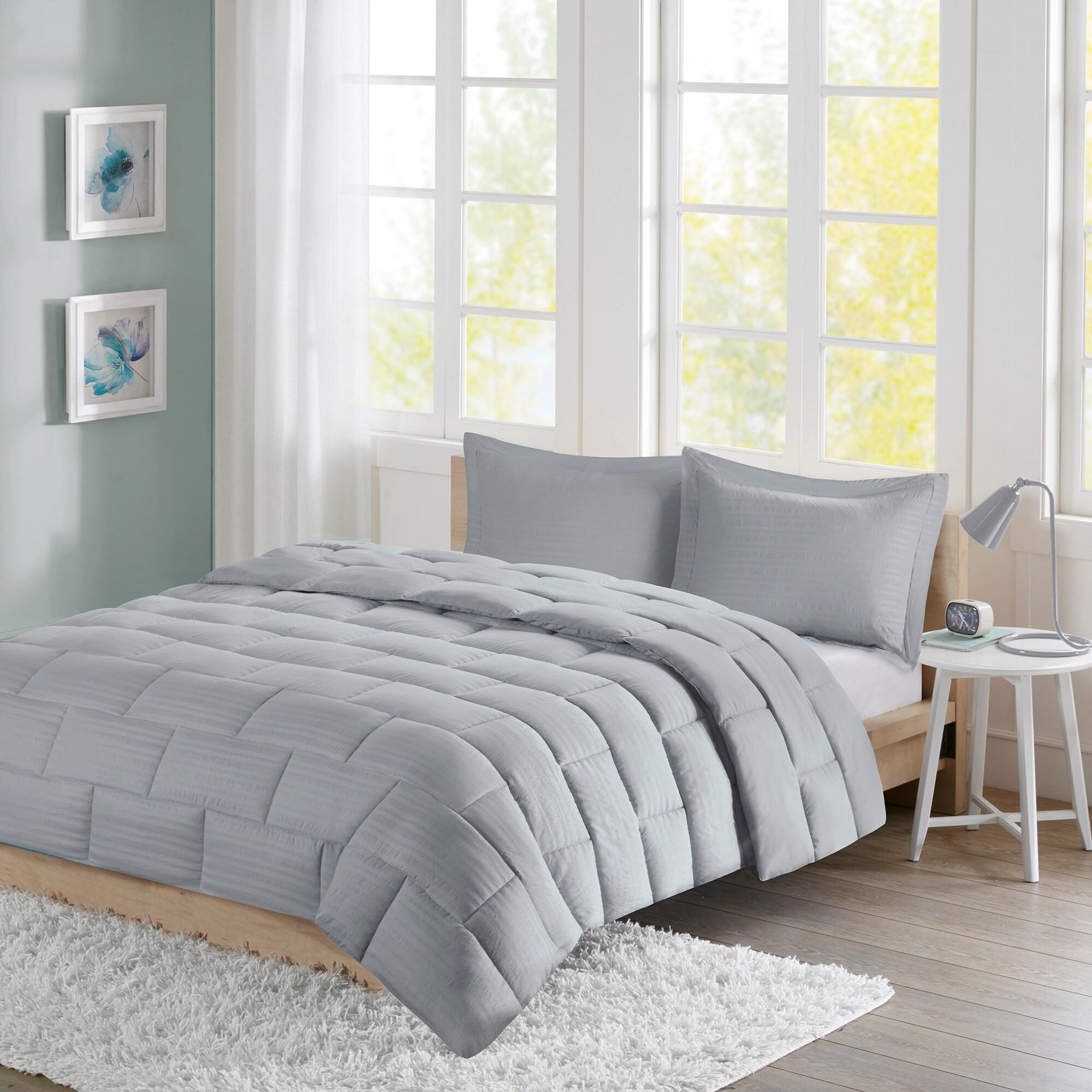 Intelligent Design Ava Seersucker Down Alternative Mini Comforter ...