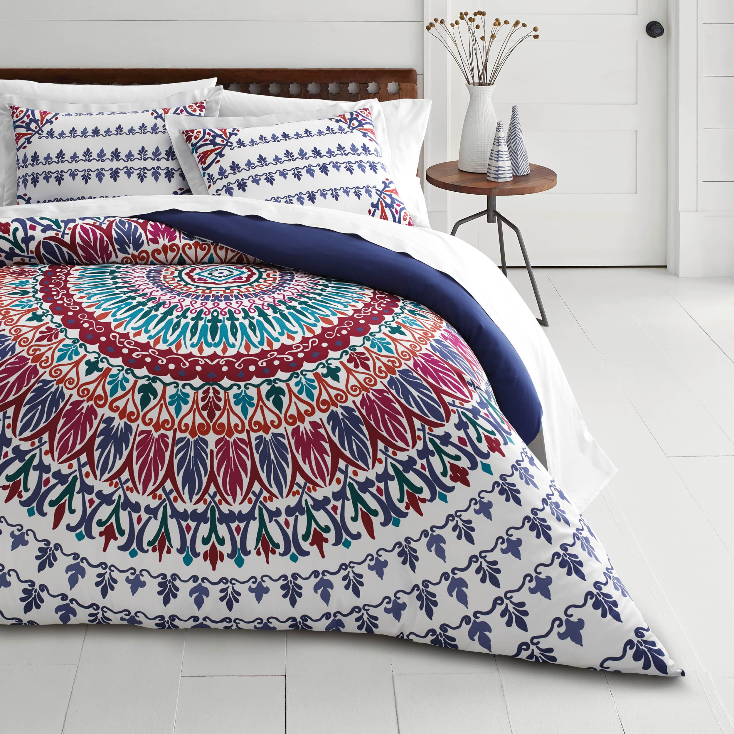 cover medallion bedrooms pin room duvet paisley and