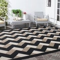 Safavieh Courtyard Contemporary Indoor/Outdoor Black/ Brown Rug (5' 3 x 7' 7)