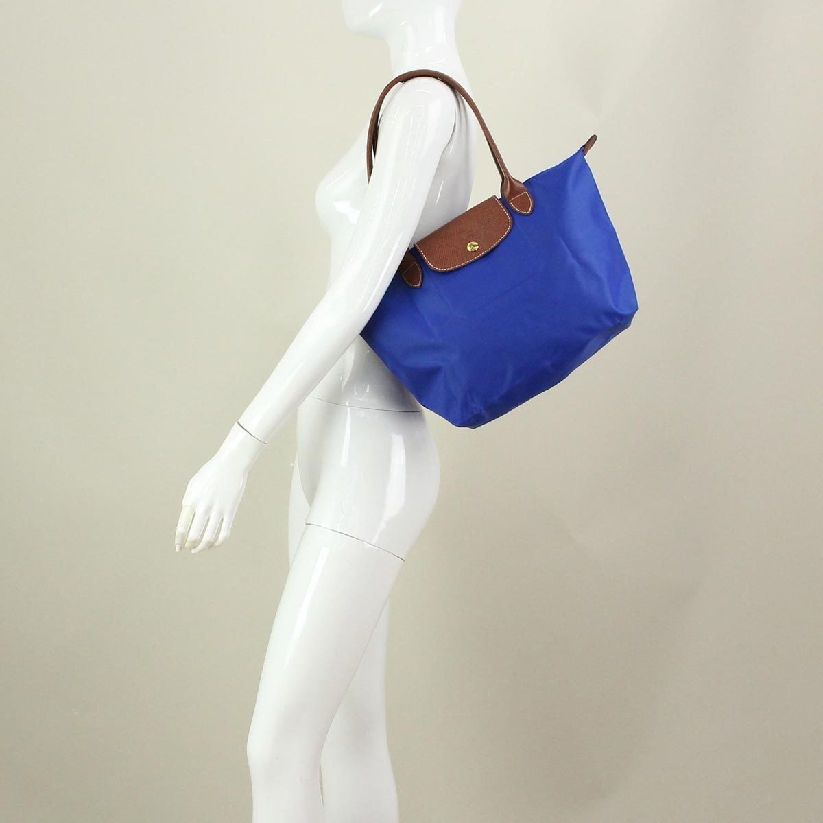 568083b137ff Shop Longchamp Le Pliage Blue Nylon Small Foldable Tote Bag - Free Shipping  Today - Overstock - 13536933