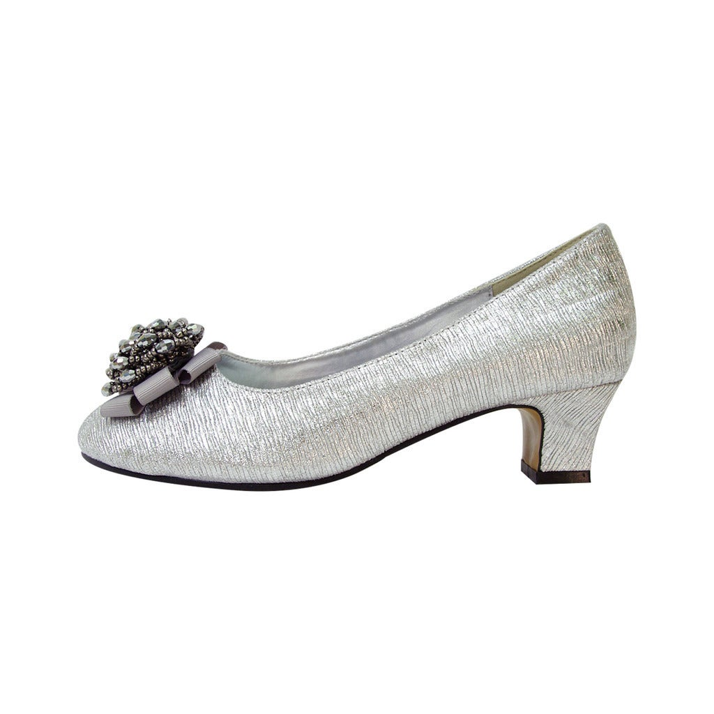 8b7f3d4bd81 Shop FIC FLORAL Allie Women Extra-Wide Peep-Toe Dress Pump - Free Shipping  Today - Overstock - 13848868