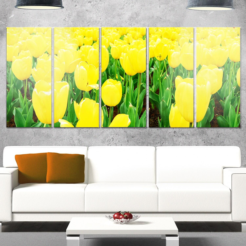 Designart \'Bright Tulip Flowers in Garden\' Flower Glossy Metal Wall ...