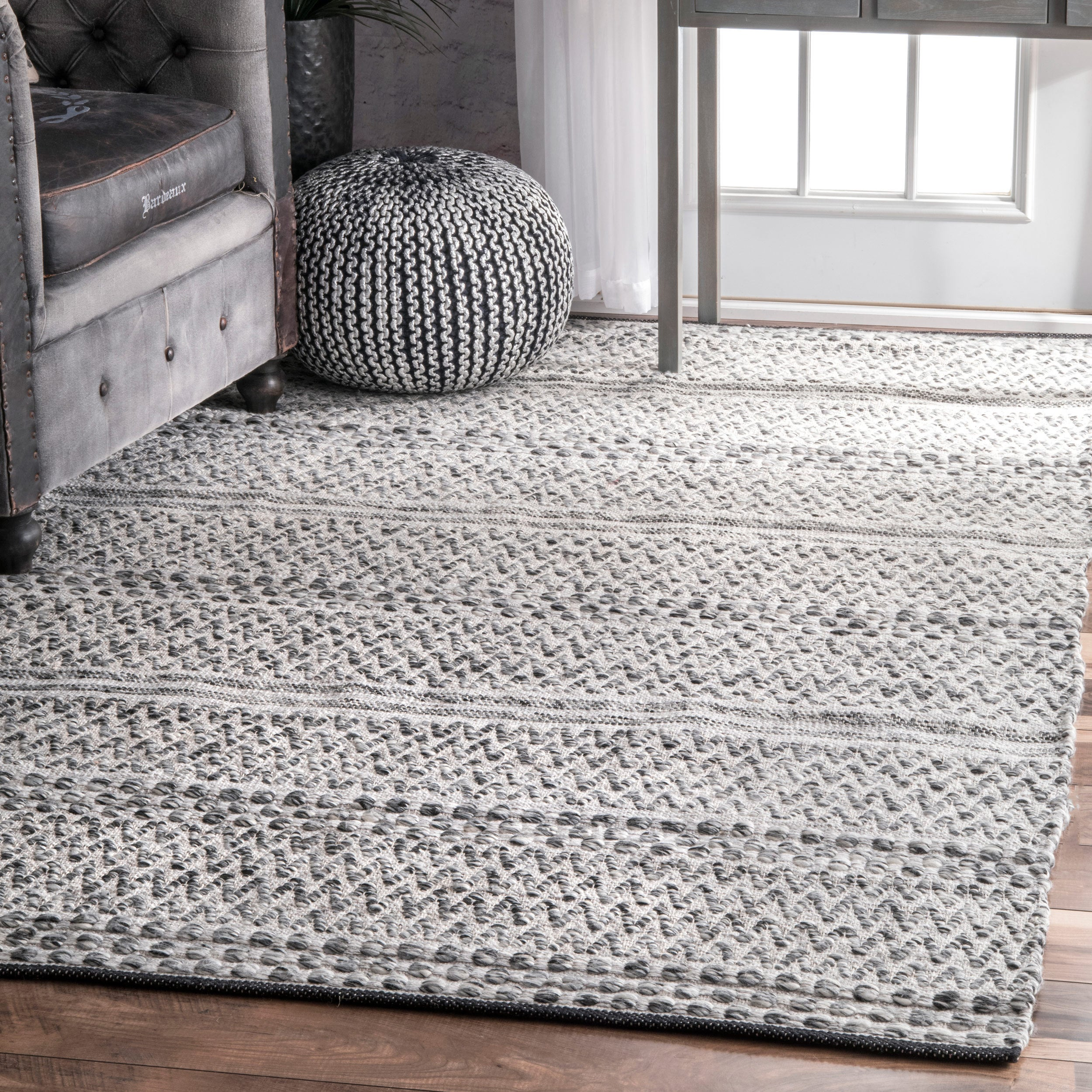 Nuloom Flatweave Chevron Striped Indoor Outdoor Patio Silver Rug 5 X 8 On Free Shipping Today Com 14416730