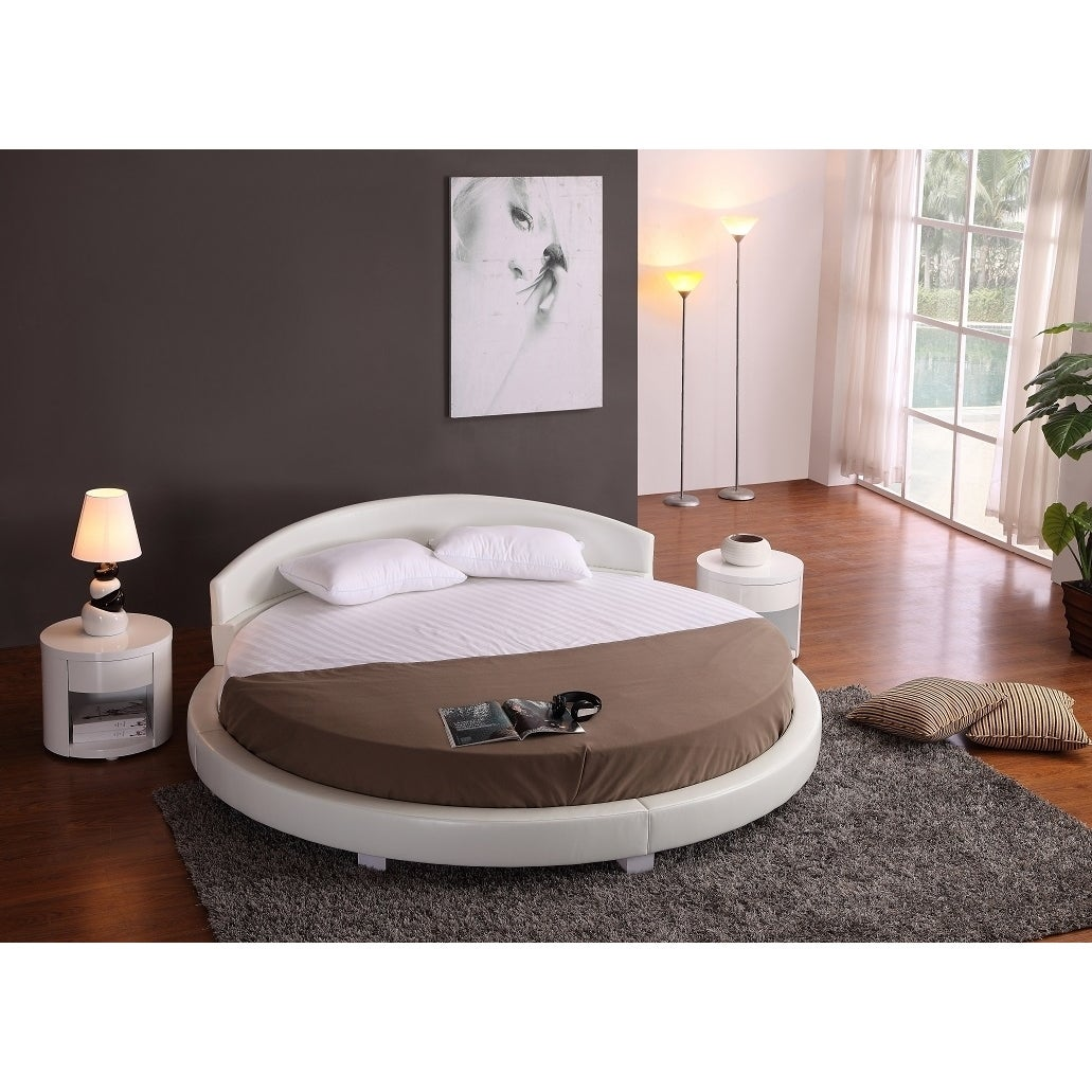Shop panda white faux leather round platform bed 87 diameter free shipping today overstock com 14428164