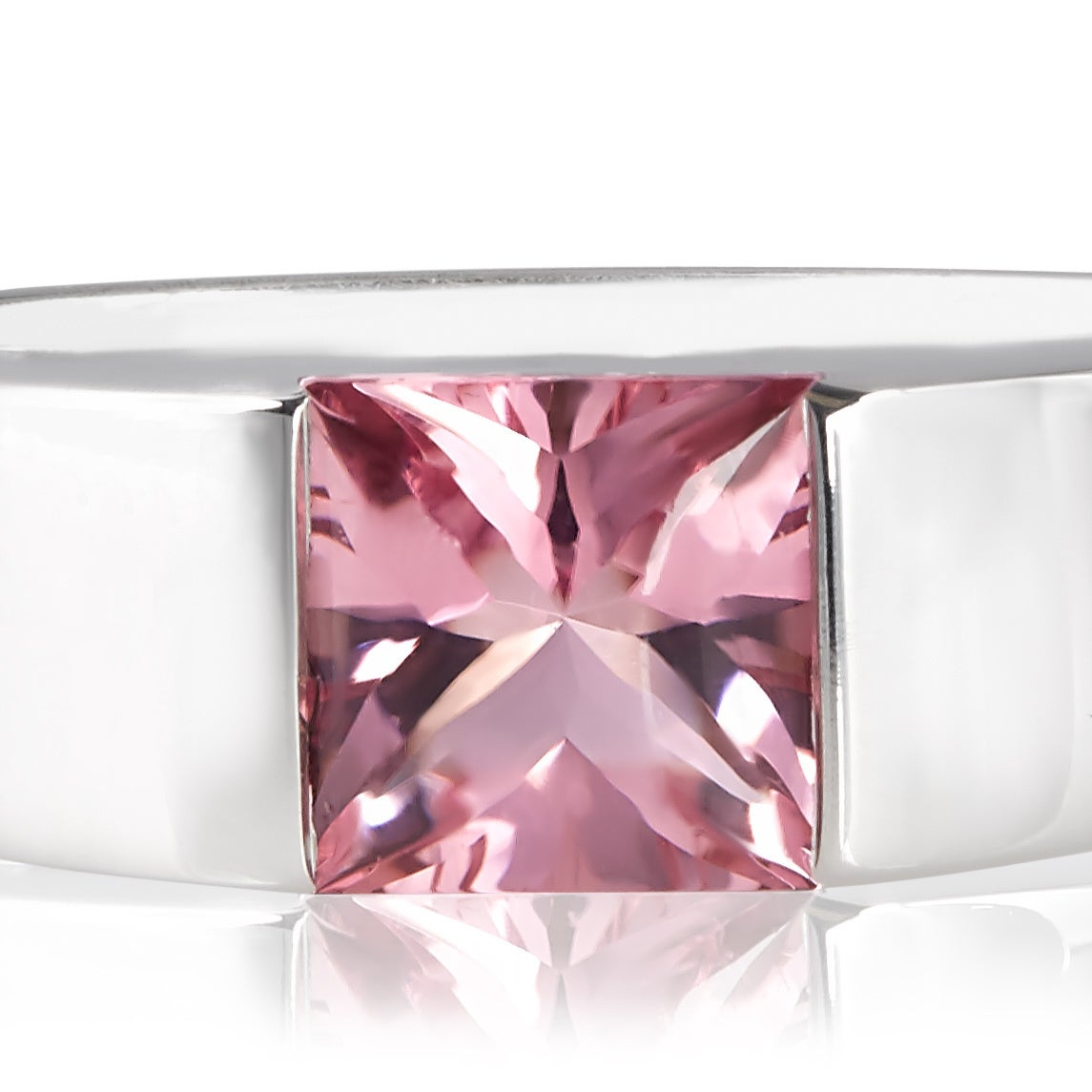 Shop Pre-owned Cartier 18K White Gold Pink Tourmaline Tank Ring ...