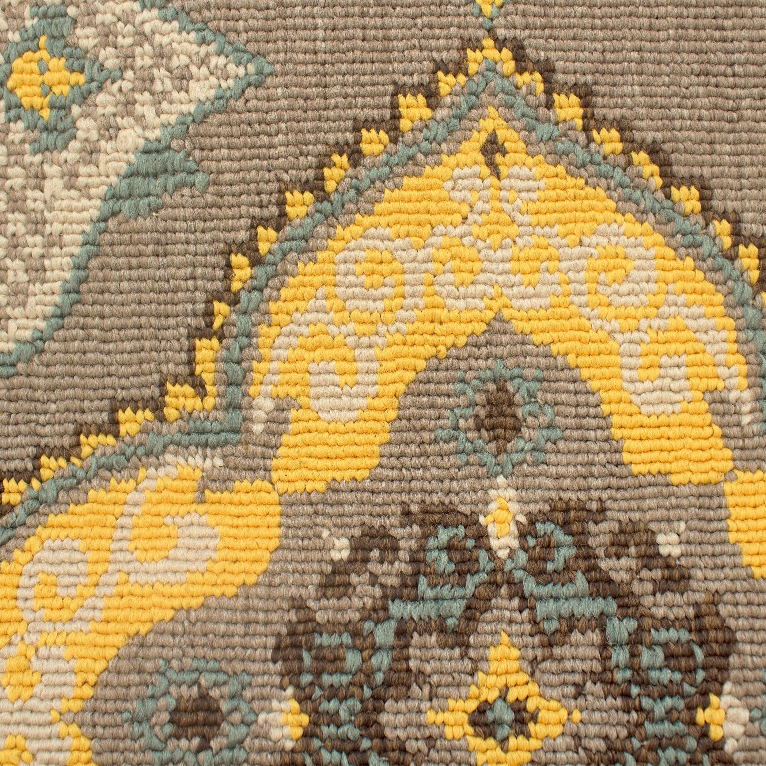 Shop Laura Ashley Allie Taupe Indoor/Outdoor Accent Rug - 24 x 36 in ...