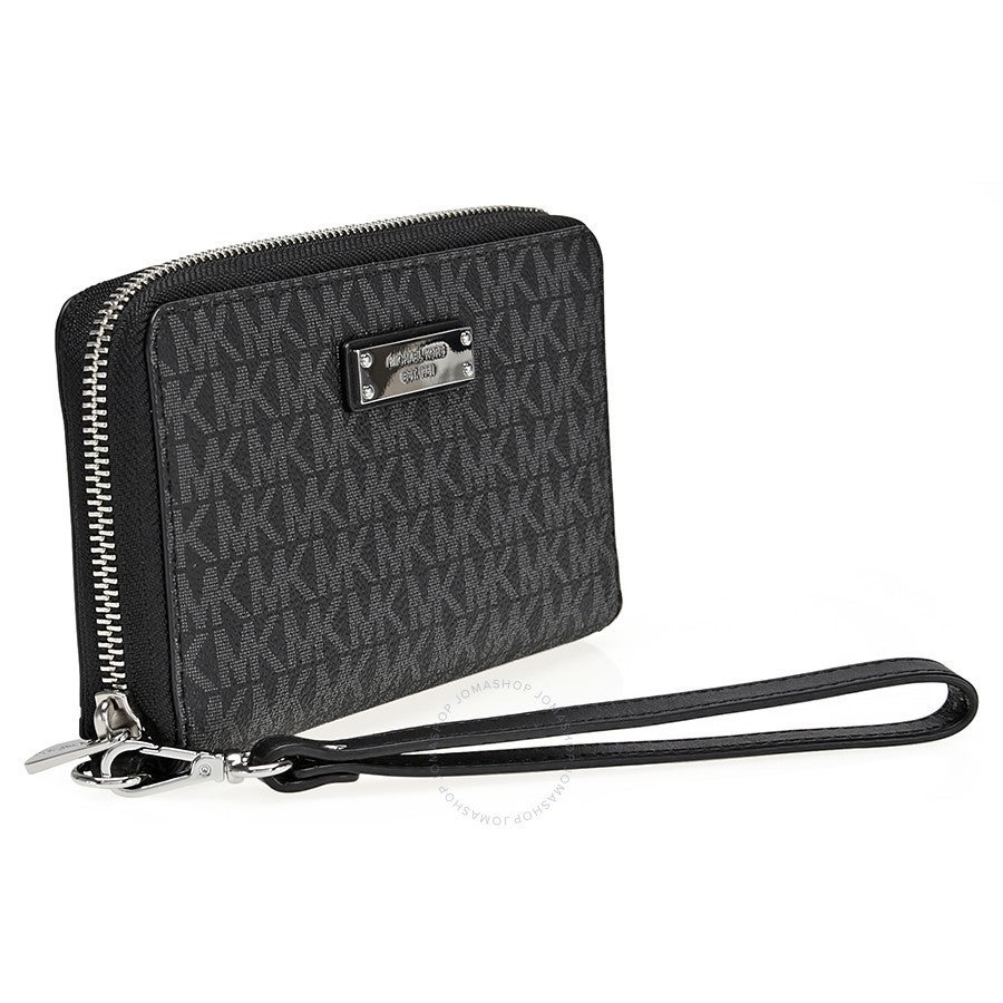 f4e95898a511 Shop Michael Kors Jet Set Item Large Black Signature Flat Multi Function  Phone Case Wallet - Free Shipping Today - Overstock - 16589247