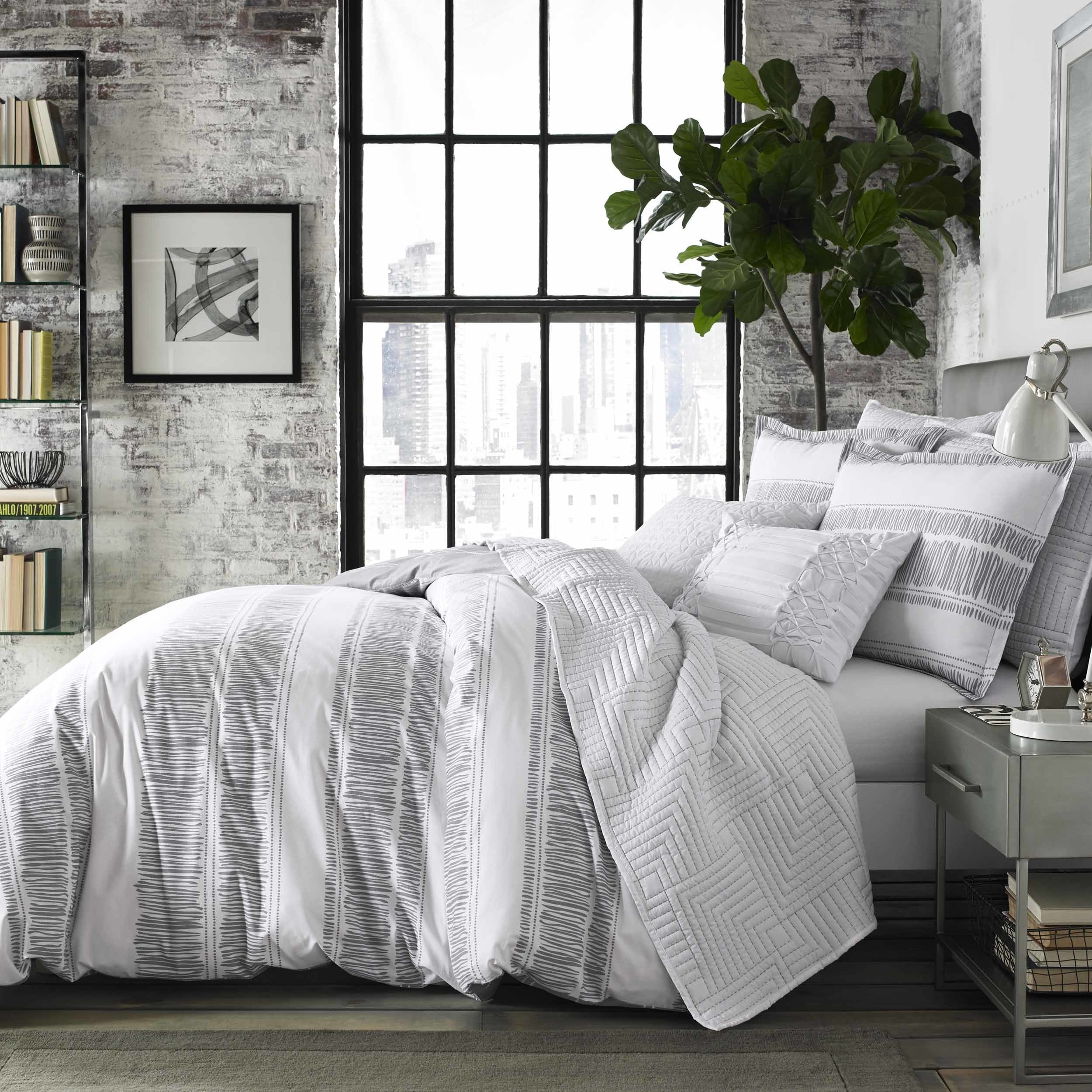 down bed queen comforter dp microfiber amazon full bedding elle home overstock com pinstripe kitchen