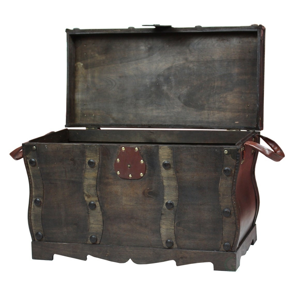 Shop Antique Style Wooden Pirate Treasure Chest, Coffee Table Trunk   Black    Free Shipping Today   Overstock.com   16837049
