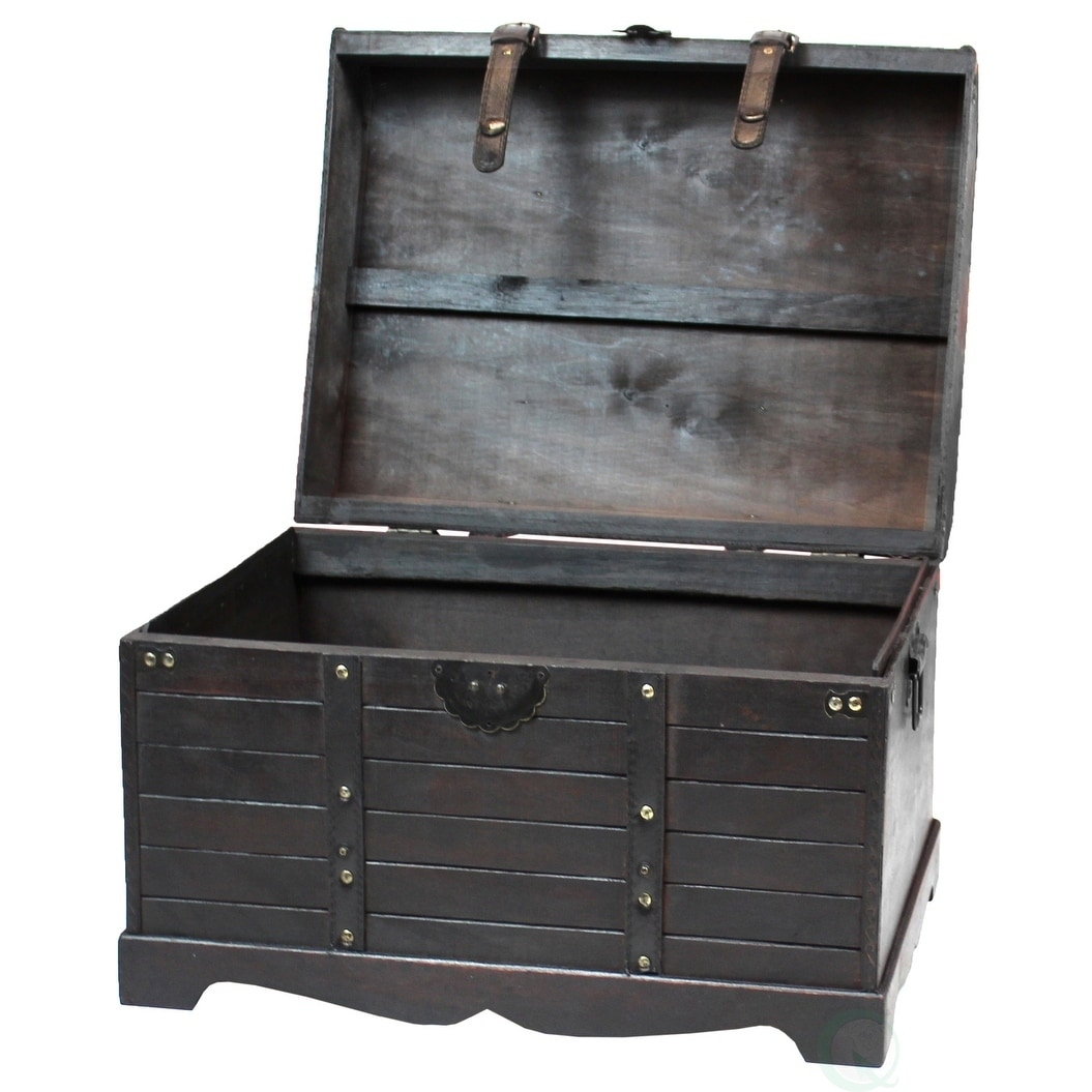Shop Antique Style Black Wooden Steamer Trunk, Coffee Table   Free Shipping  Today   Overstock.com   16837051