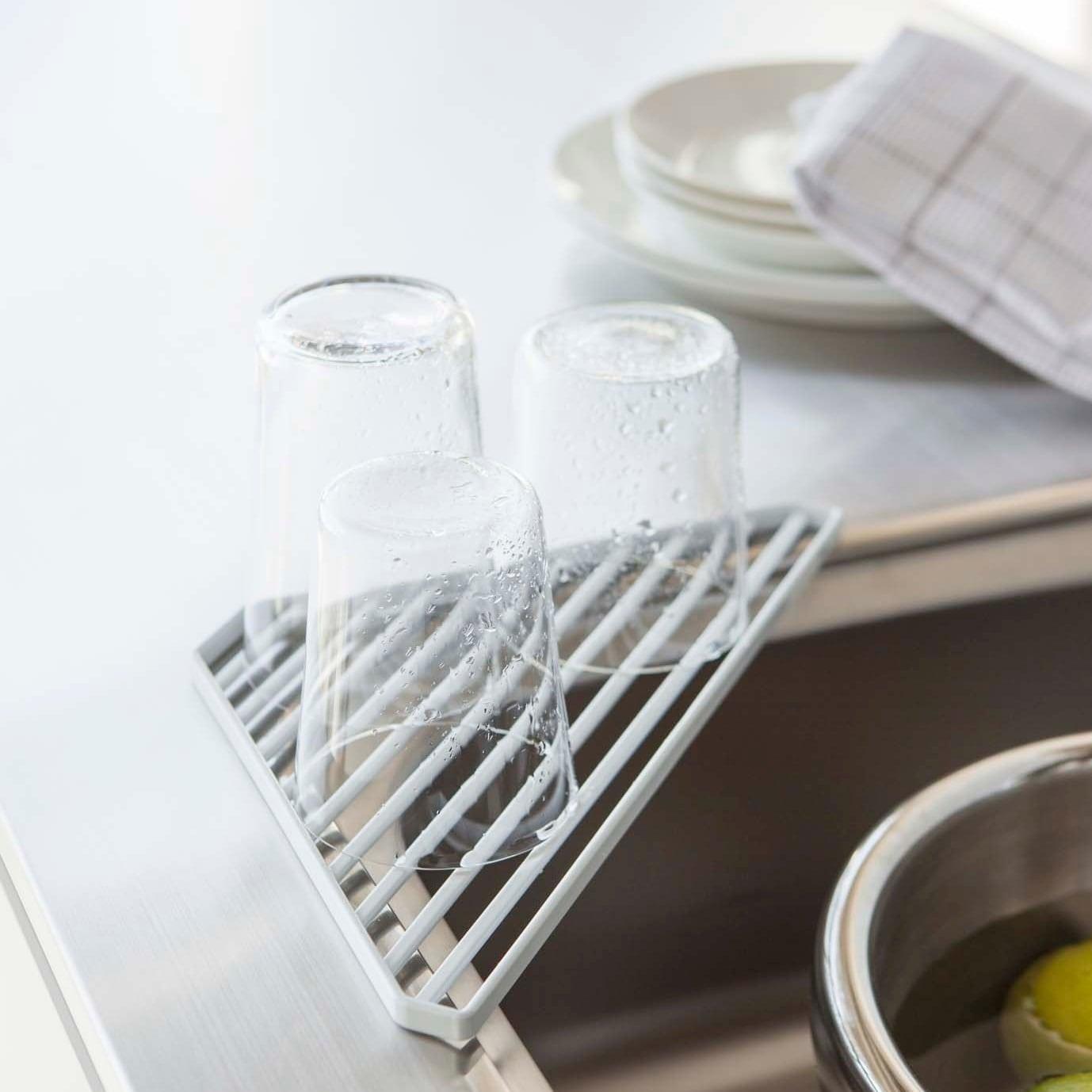 Yamazaki USA Corner Sink Shelf   Free Shipping On Orders Over $45    Overstock   23145751