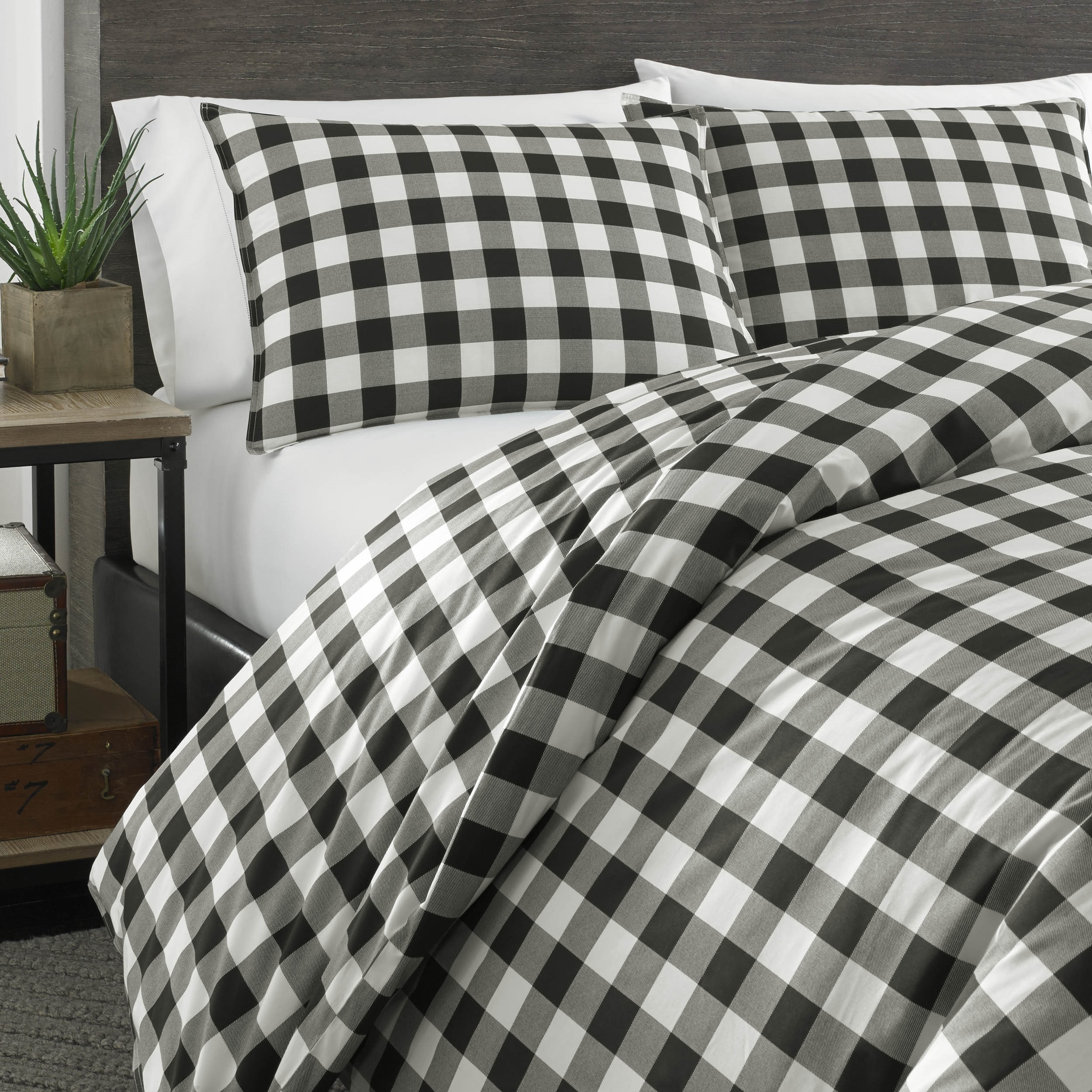 lodge ecrins set comforter black and cozy dramatic white duvet look