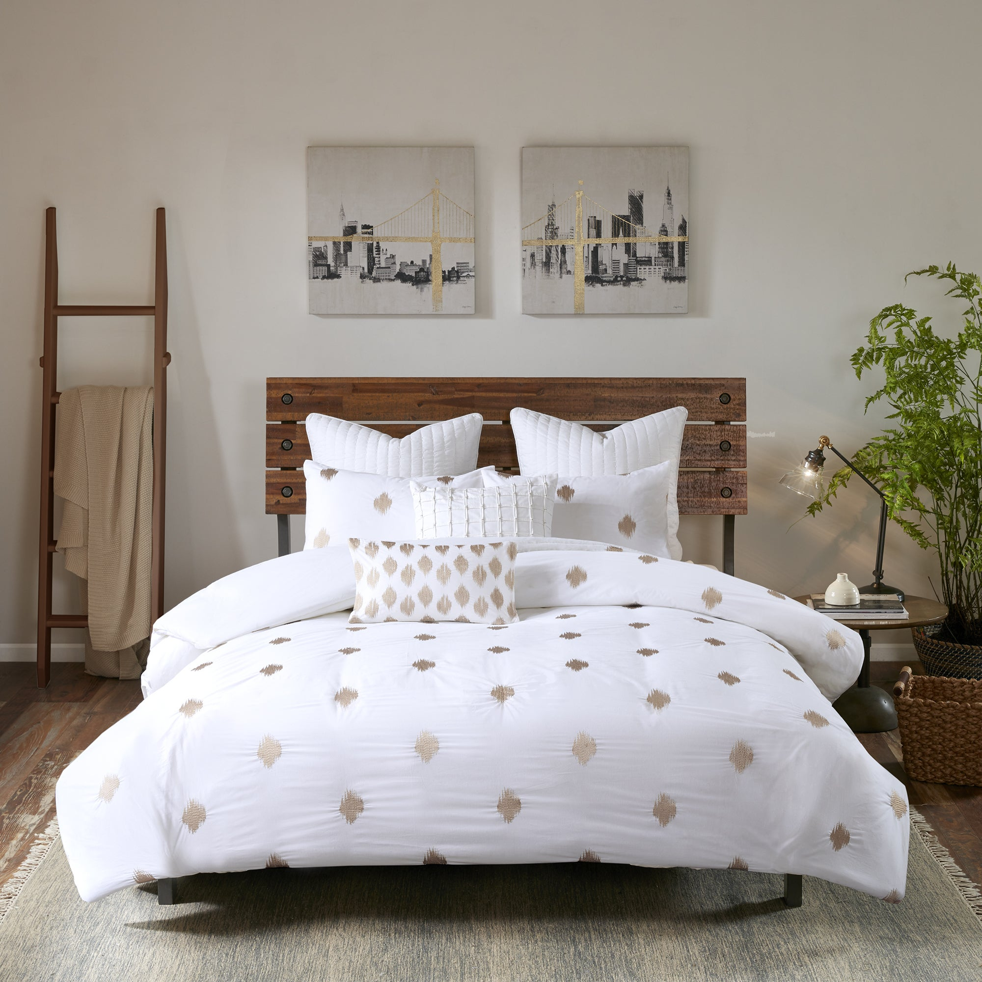 Ink Ivy Stella Dot Copper White Cotton Percale Duvet Cover 3 Piece Set With Metallic Embroidery