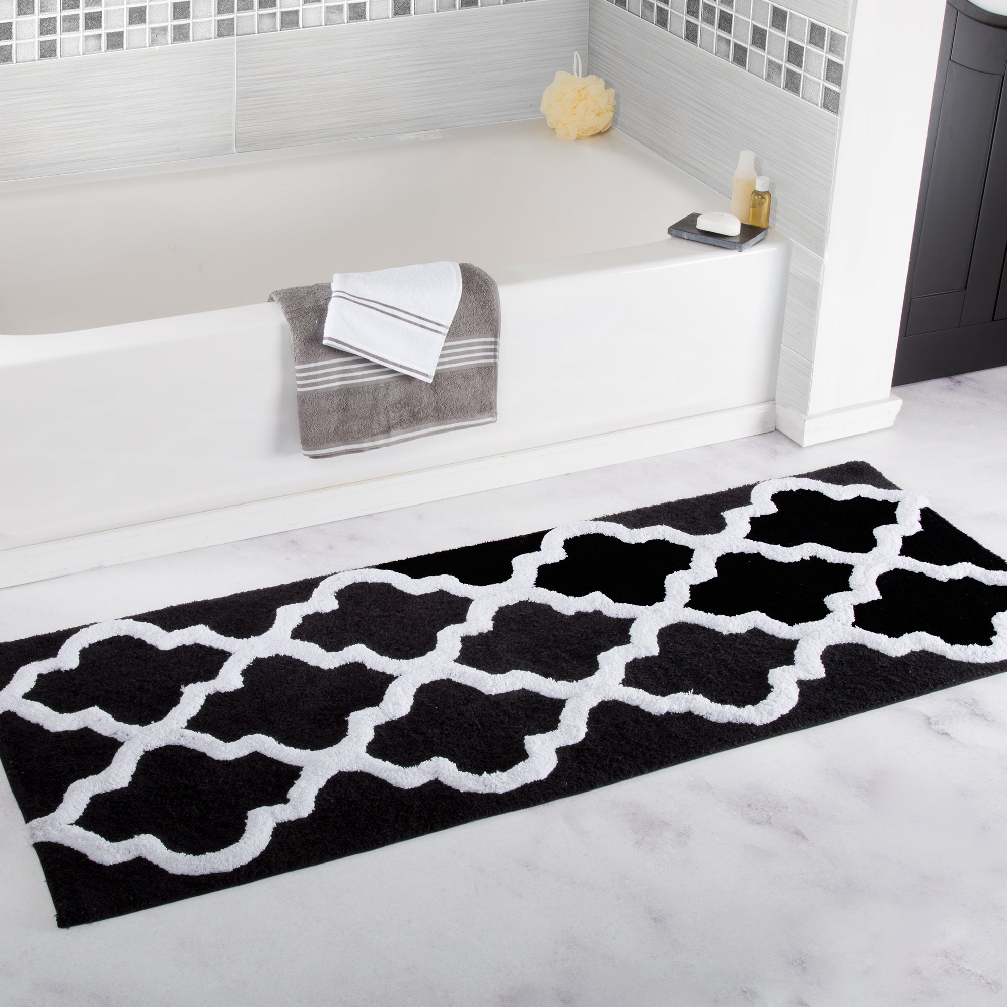 Shop Windsor Home 100% Cotton Trellis Bathroom Runner - 24x60 inches - Free  Shipping On Orders Over  45 - Overstock - 17333391 18f2daf64