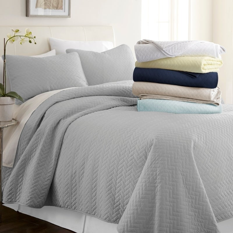 b2b31f1b74 Shop Merit Linens Premium Ultra Soft Herring Pattern Quilted Coverlet Set -  On Sale - Free Shipping On Orders Over  45 - Overstock - 17432314