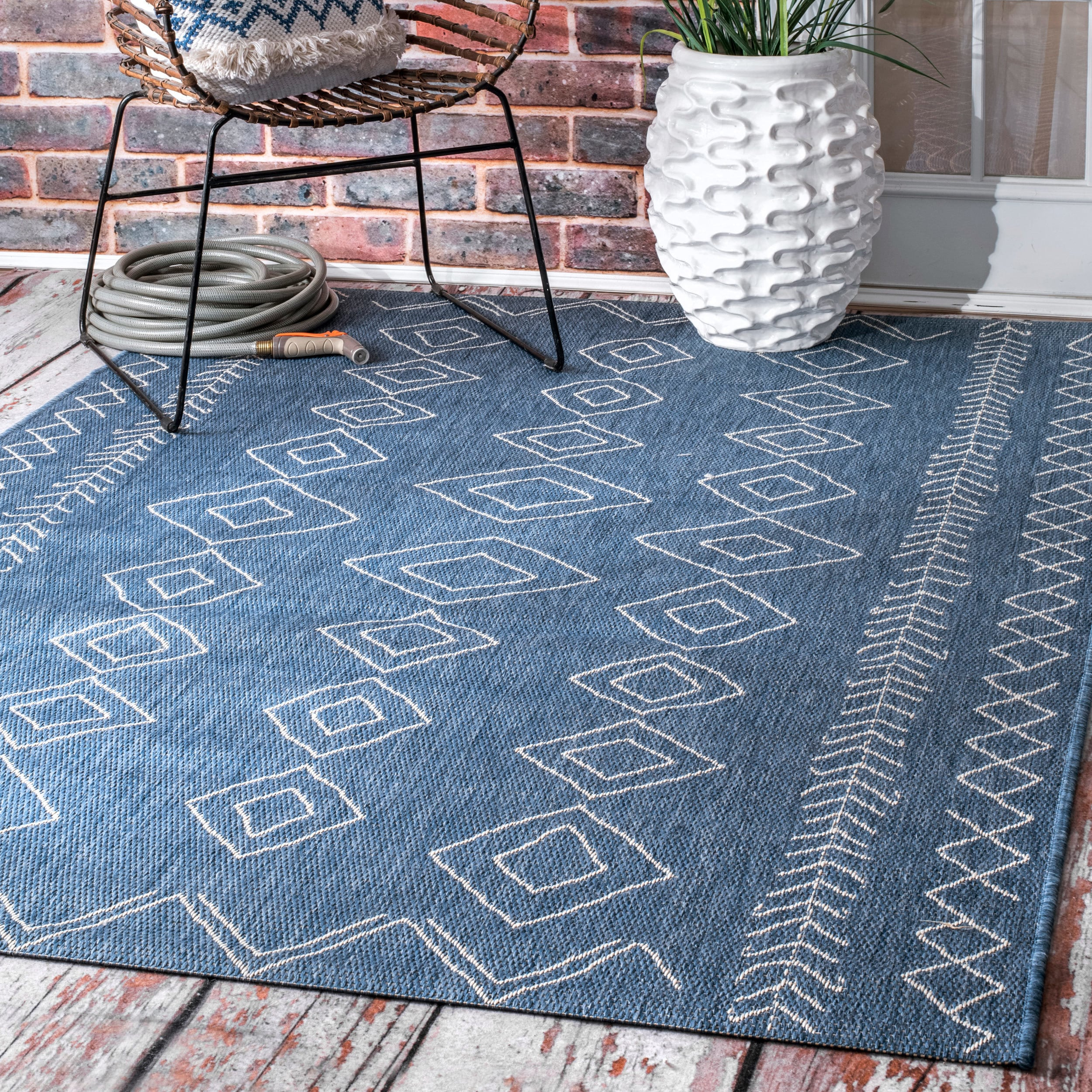 Shop The Curated Nomad Delmar Indoor/Outdoor Moroccan Diamond Blue ...