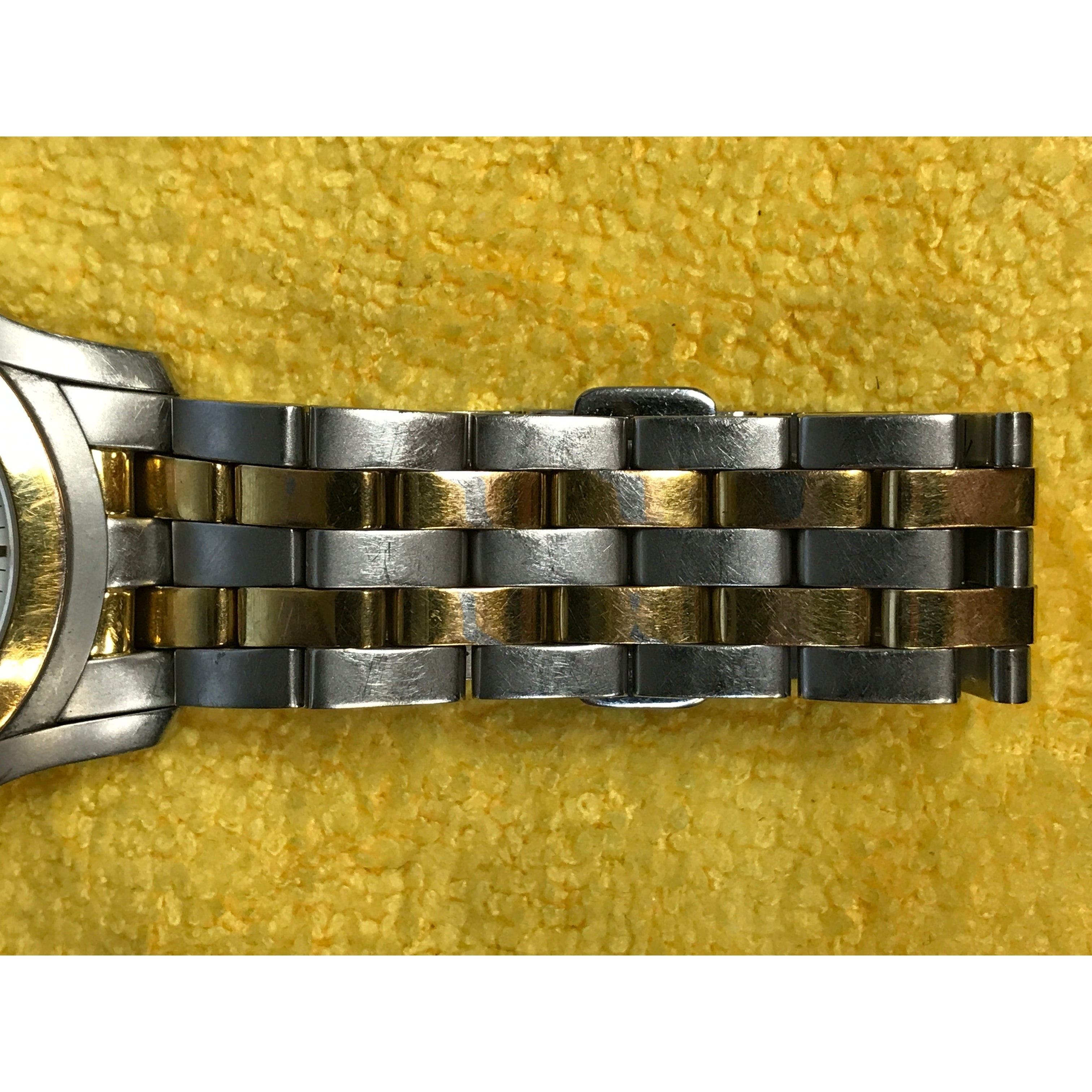 58dde51c8ed Shop Gucci 5500 YA055216 Stainless Steel Gold Plated Quartz Men s Watch -  Free Shipping Today - Overstock - 17669128